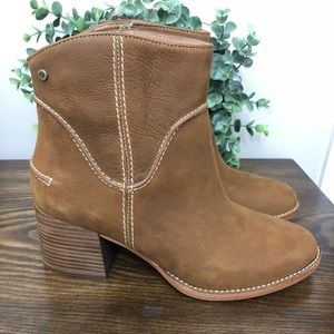 Ugg Annie Western Brown Leather Booties
